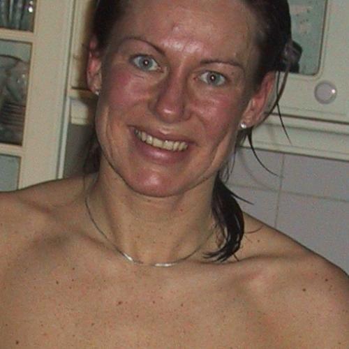 Vallendevrouw 40 uit Hillegom, Zuid-Holland